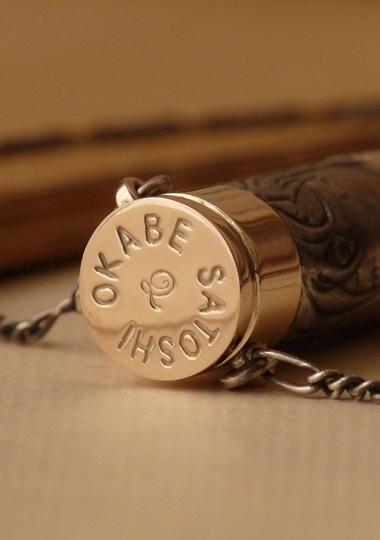 銃弾をイメージしたネックレス